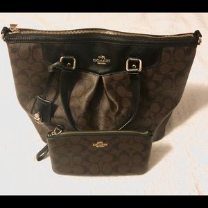 COACH F34614 SIGNATURE PLEAT TOTE W/ WALLET